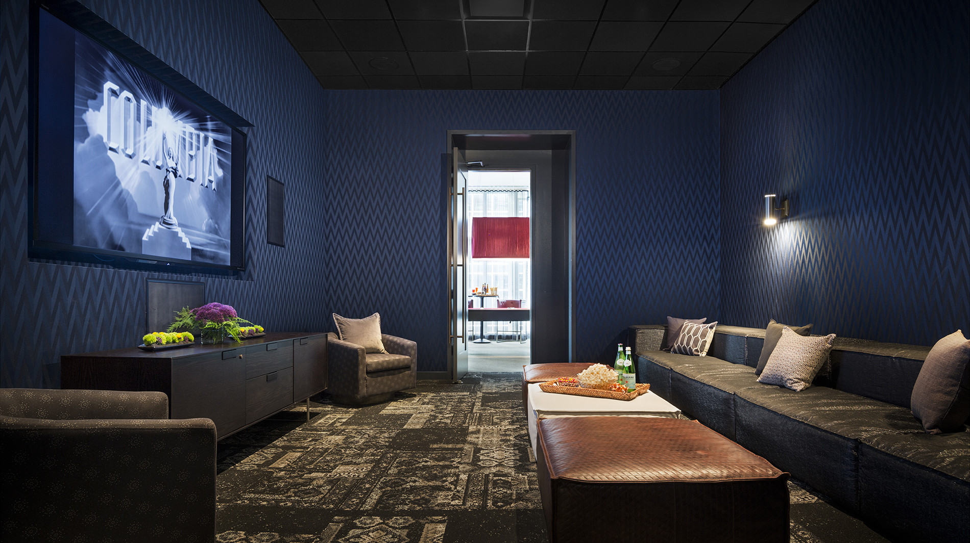 OneEleven-chicago-cinema-corporate-housing