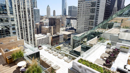 OneEleven-chicago-lounge-deck-corporate-housing