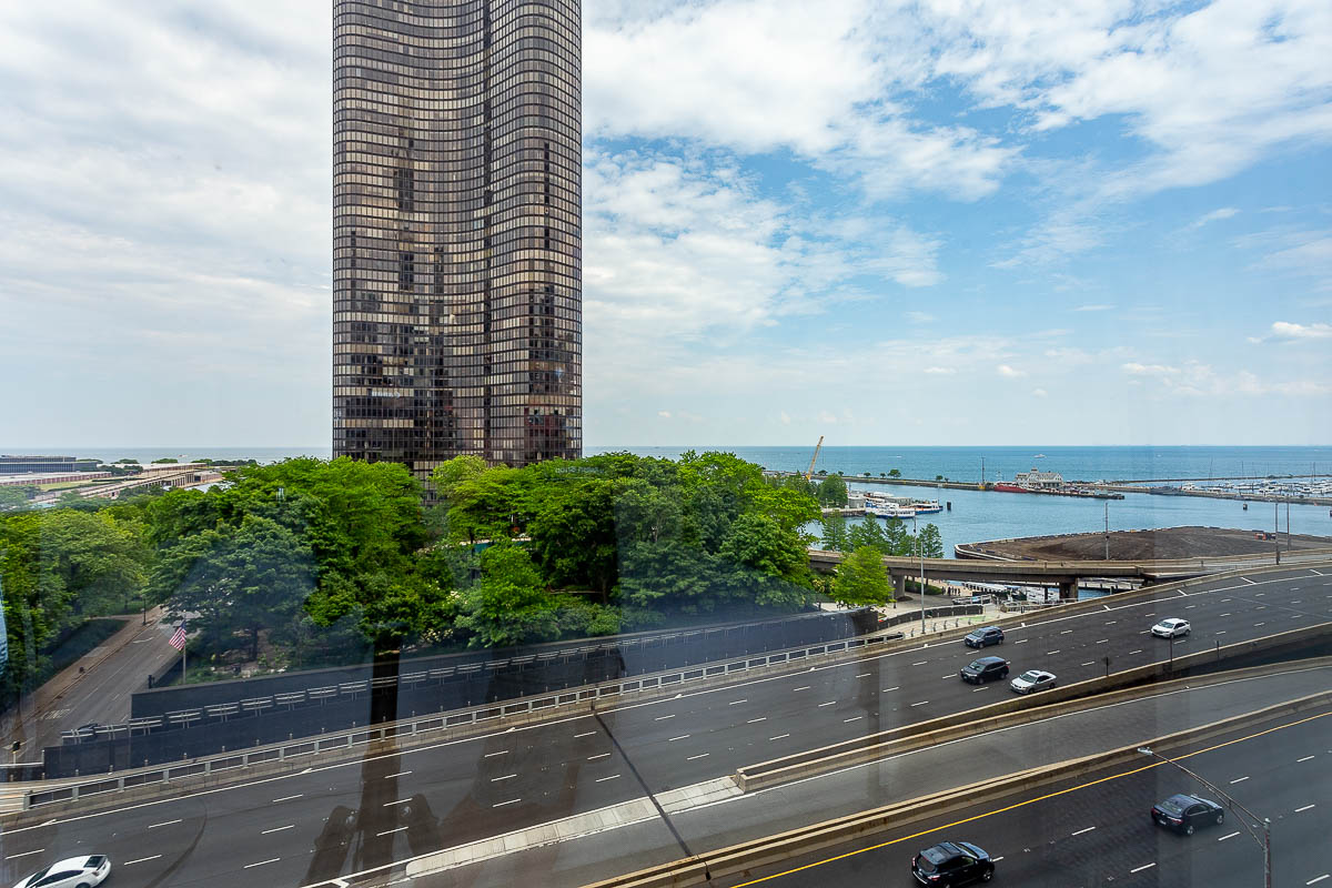 500 lake shore drive furnished apartment 10-2 10