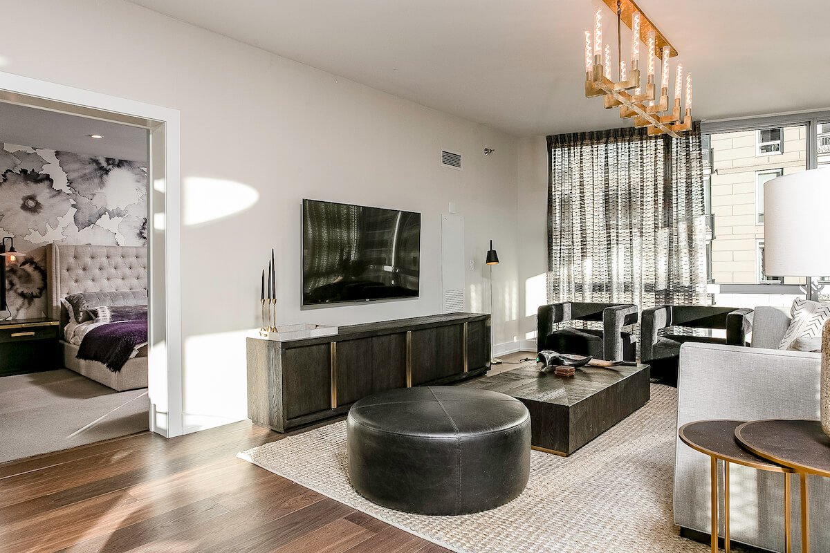 Two West Delaware Luxury Furnished Apartment 14-1 10